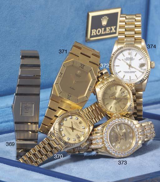 Rolex. An 18ct Gold Midsize Automatic Centre Seconds Water Resistant calendar wristwatch with bracelet