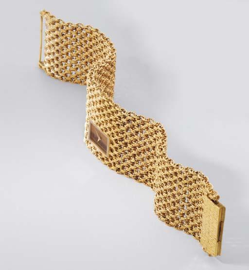 Piaget. An unusual 18K gold an