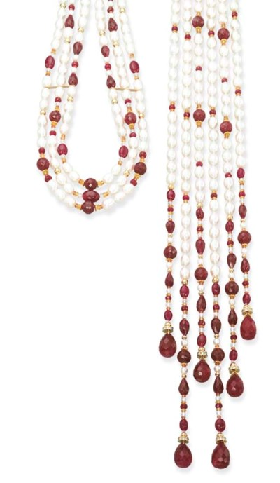 A FRESHWATER CULTURED PEARL, R