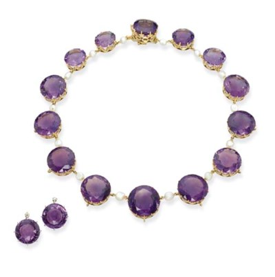 AN AMETHYST NECKLACE AND PAIR