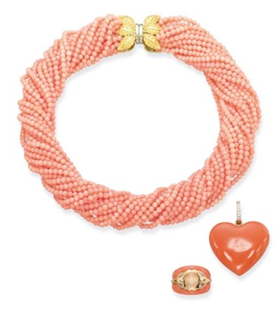 A CORAL BEAD NECKLACE AND RING