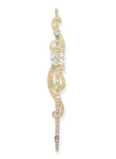 A DIAMOND BAR BROOCH, BY KOCH
