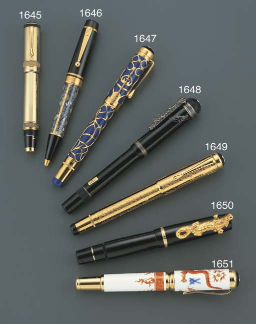 MONTBLANC. A RESIN AND GOLD-PL