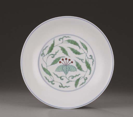 A DOUCAI AND ANHUA-DECORATED S