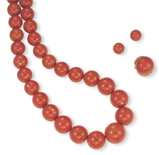 ** A SUITE OF CORAL JEWELLERY