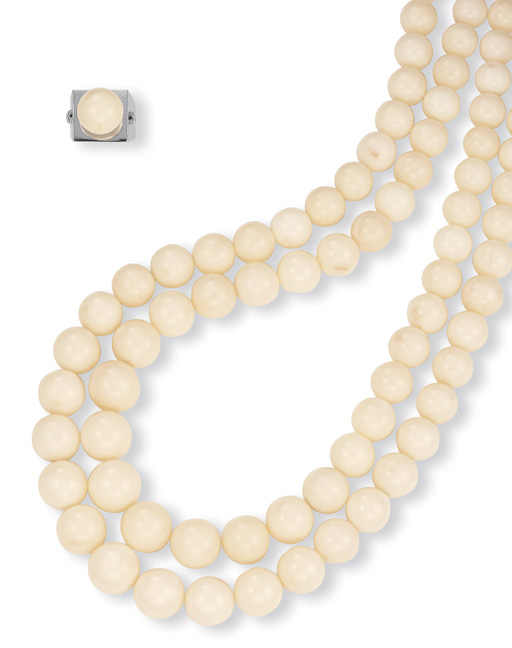 ** A SUITE OF WHITE CORAL JEWELLERY