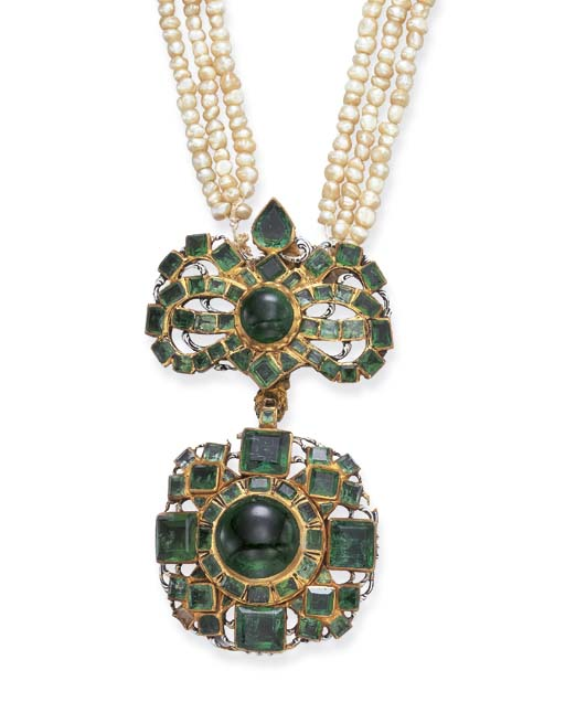 A SPANISH COLONIAL EMERALD AND