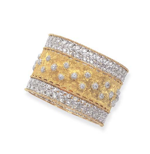A DIAMOND AND MULTI-COLORED GO