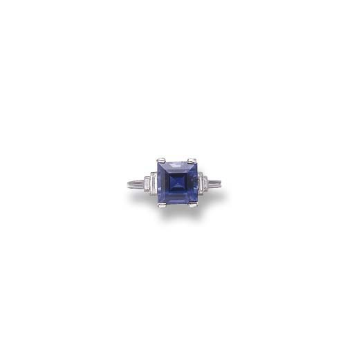 A SAPPHIRE RING, BY TIFFANY &