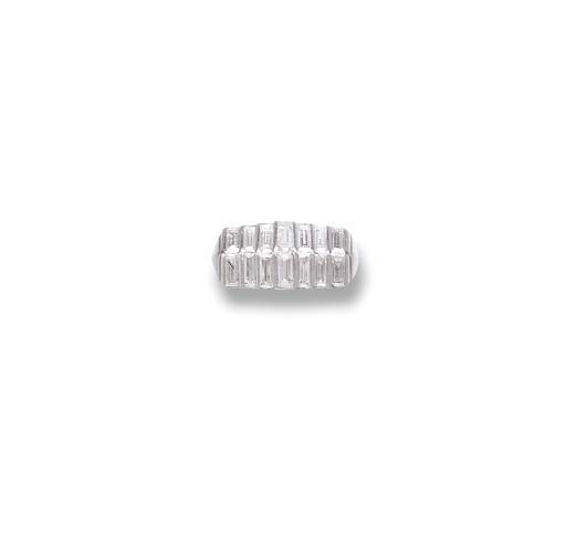 AN ART DECO DIAMOND RING, BY C