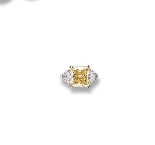 A FANCY VIVID YELLOW DIAMOND R