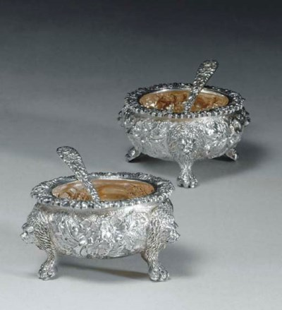 A PAIR OF SILVER SALT CELLARS