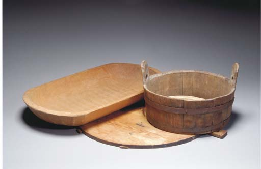 A GROUP OF FIVE WOODEN KITCHEN WARES,