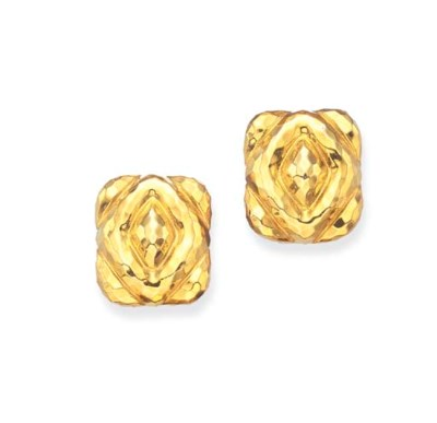A PAIR OF GOLD EAR CLIPS, BY H