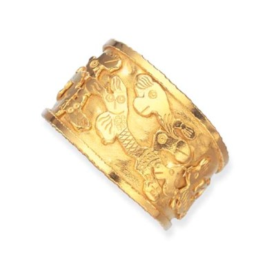 A GOLD CUFF BRACELET, BY JEAN