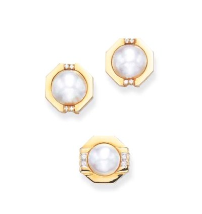 A SET OF MABE PEARL, DIAMOND A
