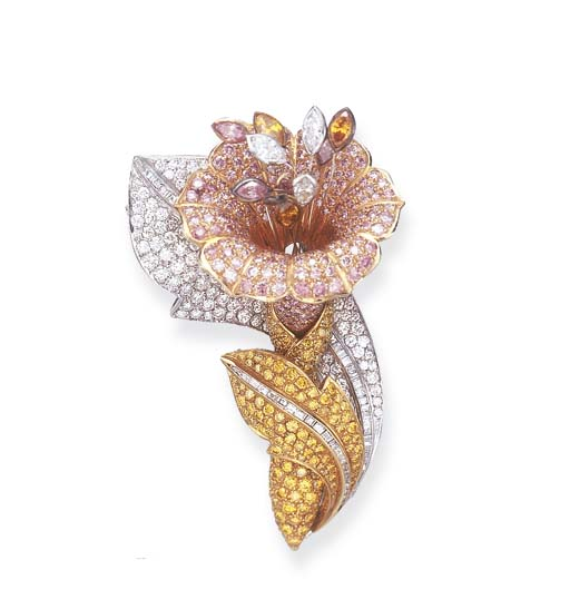 A COLORED DIAMOND FLOWER BROOC