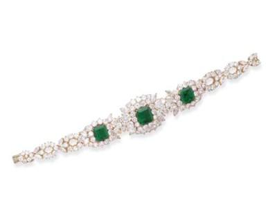 AN EMERALD AND DIAMOND BRACELE