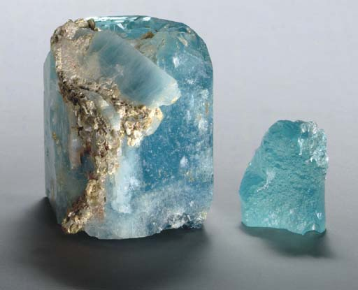 A PAIR OF AQUAMARINE ROUGH CRY