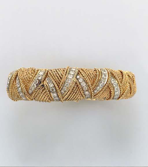 A DIAMOND AND 14K GOLD BRACELE
