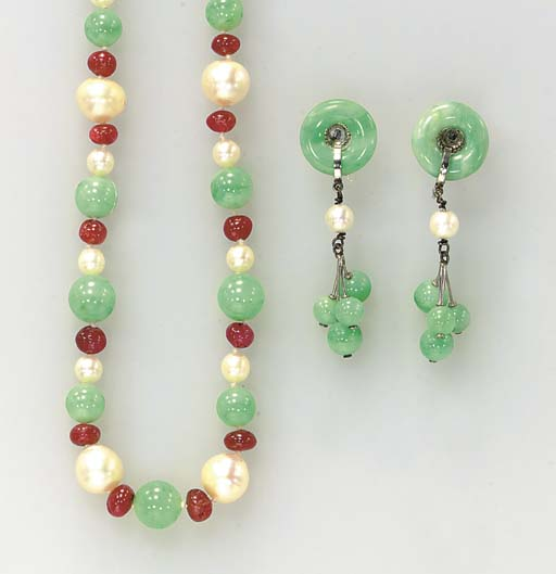 A GROUP OF JADEITE, RUBY, CULT