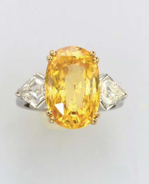 A YELLOW SAPPHIRE, DIAMOND, PL