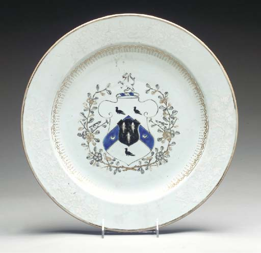 A CHINESE EXPORT PORCELAIN DUT