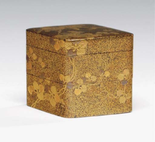 A JAPANESE LACQUER STACKING BO