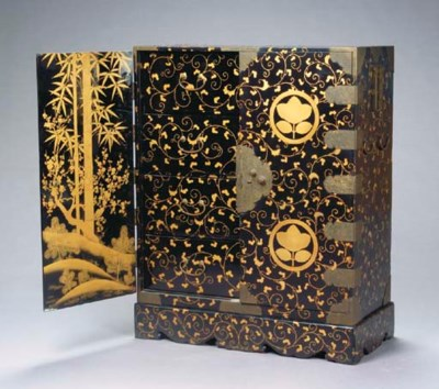 A JAPANESE LACQUER AND PARCEL-