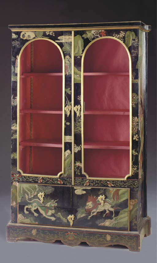 A FRENCH LACQUERED CABINET,
