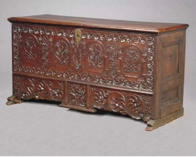 A CONTINENTAL BAROQUE CARVED O