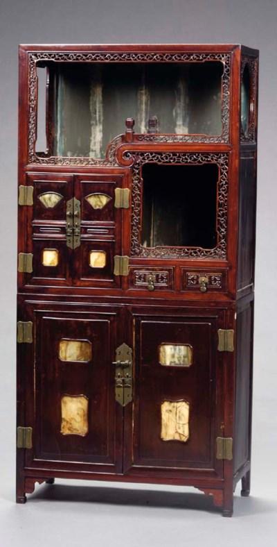 A PAIR OF CHINESE HONGMU MARBL