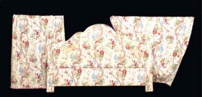TWO PAIRS OF CHINTZ CURTAINS T