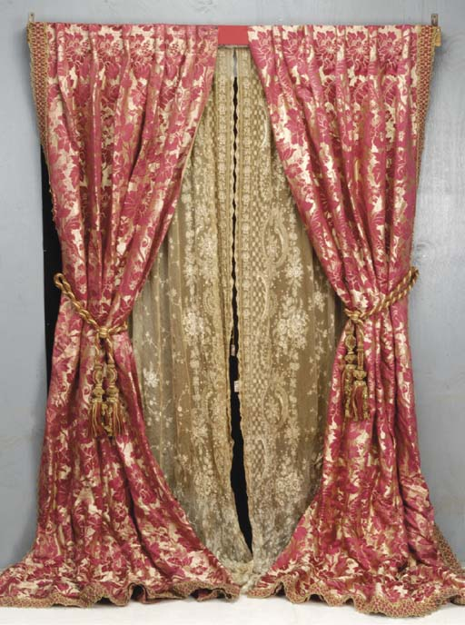 A PAIR OF RED AND GOLD SILK DA