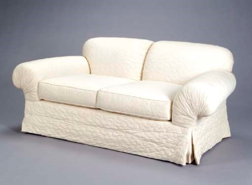 A CONTEMPORARY WHITE QUILTED C