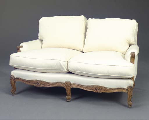 A PAIR OF LOUIS XV STYLE CARVE