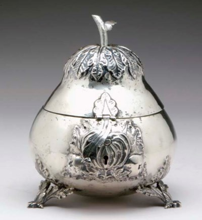 A CONTINENTAL SILVER FRUIT-FOR