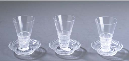 A SET OF TWELVE LALIQUE GLASS