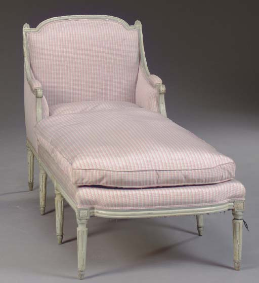 A LOUIS XVI GREY PAINTED DUCHE