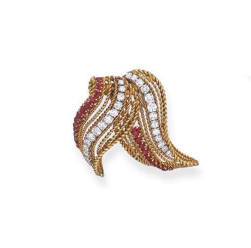 A RUBY, DIAMOND AND GOLD CLIP