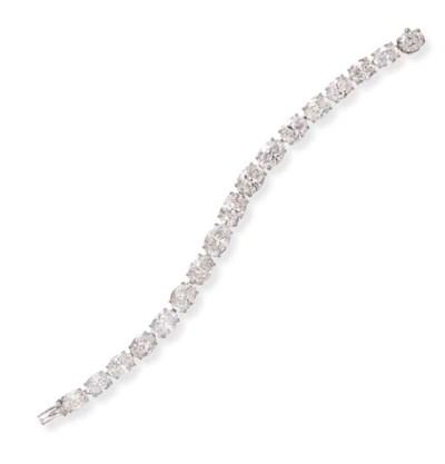 AN IMPRESSIVE DIAMOND LINE BRA
