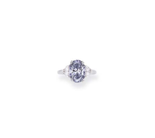 A SUPERB COLORED DIAMOND RING,