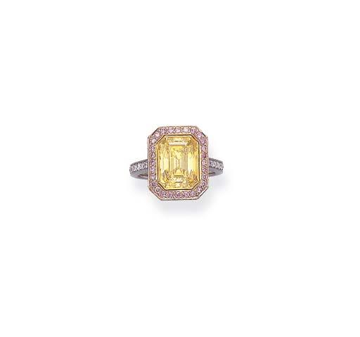 A FINE COLORED DIAMOND RING