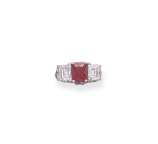 AN ART DECO RUBY & DIAMOND THR