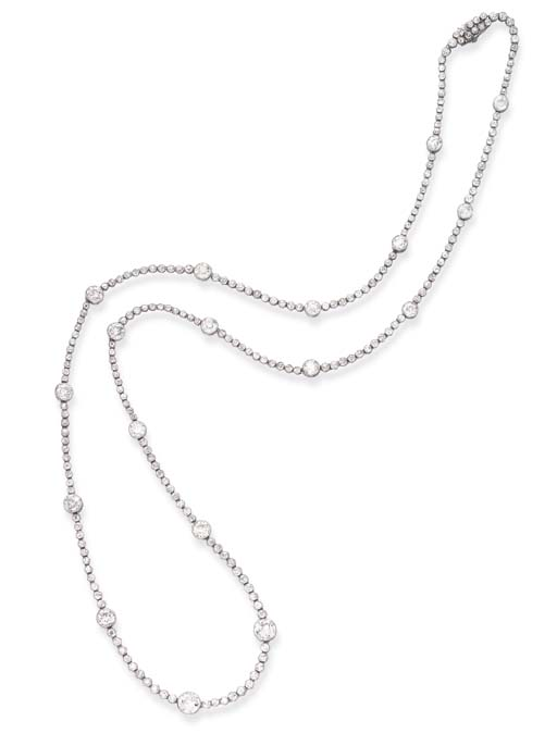 AN ART DECO DIAMOND LONG CHAIN