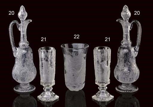 A PAIR OF ENGLISH GLASS DECANT