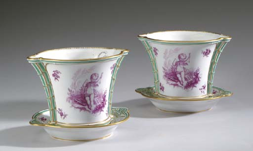 A PAIR OF ENGLISH PORCELAIN CA