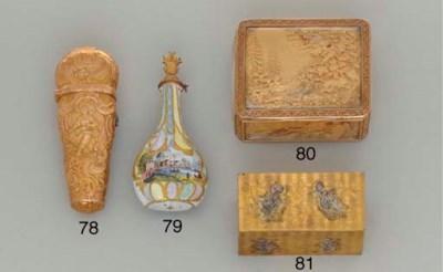 A CONTINENTAL GOLD SNUFFBOX