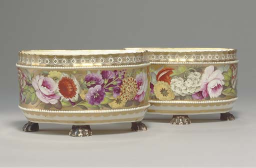 A PAIR OF ENGLISH PORCELAIN BO