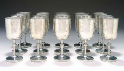 A SET OF FIFTEEN PEWTER GOBLET